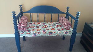 spool bed bench