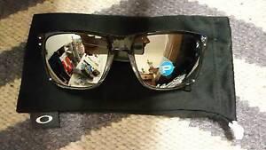 Oakley Sunglasses Polarized Holbrook Unisex BONUS Drink Bottle North Strathfield Canada Bay Area Preview