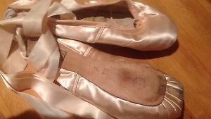 Women's. On Pointe Ballet Shoes Epping Ryde Area Preview