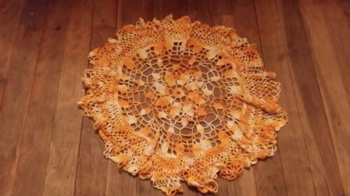 VINTAGE HAND CROCHET YELLOW VARIEGATED LARGE ROUND DOILIE FREE SHIPPING