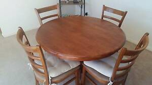 Round dining table, extendable, 4 x chairs Langwarrin Frankston Area Preview