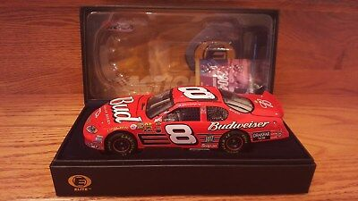 DALE EARNHARDT JR #8 BUDWEISER 2004 CHEVY MONTE CARLO ACTION RCCA Elite 1/24