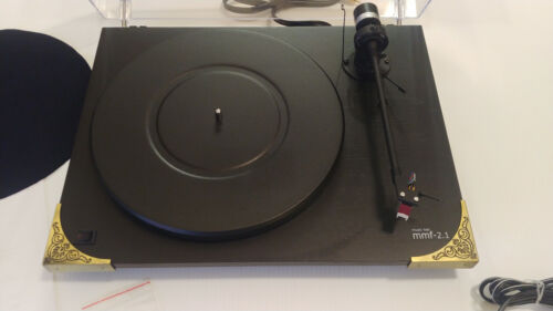 Music Hall MMF 2.1 - 2-Speed Turntable - Black Wood Grain Excellent Condition