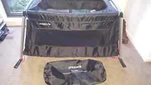 Phil & Teds Traveller Portable Cot Macleod Banyule Area Preview