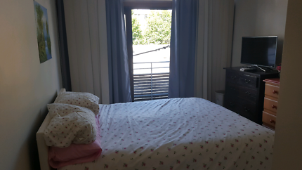 Private ensuite room in Sydney CBD near Darling Harbour