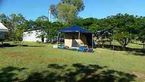 Quick set up tent Kallangur Pine Rivers Area Preview