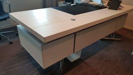 Desks For Sale New Amp Used Gumtree Australia