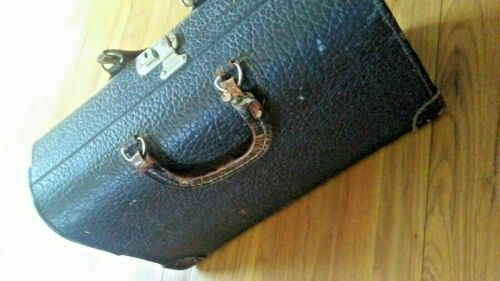 ANTIQUE / VINTAGE BLACK LEATHER HARD SHELL DOCTORS BAG. By Pandora