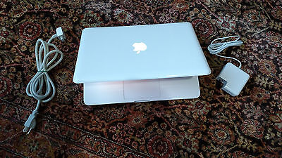 "Apple MacBook White 13"" a1342 NEW 1TB HDD, New 8 GB Ram 2.26 GHz. LATEST MAC OS"