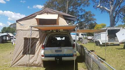 BRAND NEW 2017 ROOF TOP TENT WITH DROP DOWN SKIRT AND SKYLIGHT