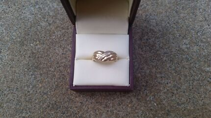 9ct Gold Wide Ring Para Hills Salisbury Area Preview