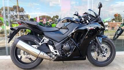 2015 HONDA CBR300RA ABS