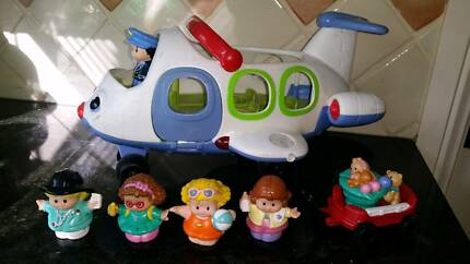 Fisher price little people plane with little people.