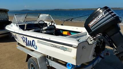 "BERTRAM CARRIBEAN WILDCAT Model V149 Fish/Ski "" TRUE BLUE """