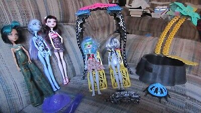Monster High Doll Dead Tired Skull Shores Lot Desert Fright Oasis Pool Cabana ()