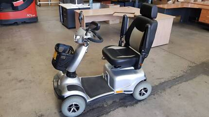 2015 MERITS PIONEER 11 MOBILITY SCOOTER S840 battery powered