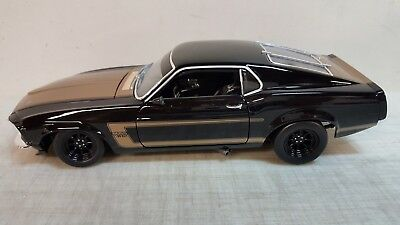 1969 Ford 302 - ACME: 1:18 1969 FORD MUSTANG BOSS 302 - SMOKEY YUNICK - A1801816B