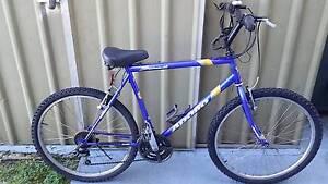 bicycle mens Apollo Summit mountain bike MTB 21 spd Belmont Lake Macquarie Area Preview