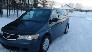 Honda Odyssey  Excellente condition fiable très propre