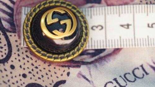 100% Authentic Gucci Button 1  pieces  💋😍😘👍 24 mm metal GG black