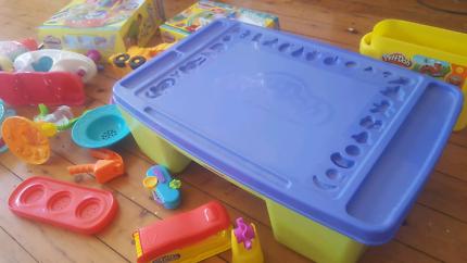 Play-Doh tray, Sweet Shoppe, Swirling  Shake Shoppe, Pasta maker