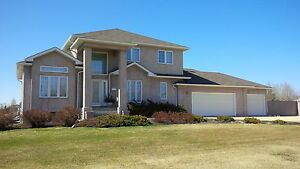 St Andrews, Manitoba two storey home w/ triple attached garage