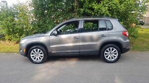 2010 Volkswagen Tiguan COMFORTLINE 4MOTION  PANO ROOF LOW KMS WE