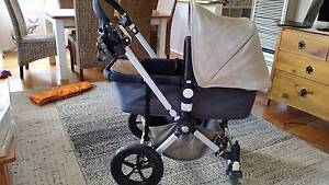 Bugaboo Cameleon Gen 2 Pram (with bassinet, bag & accessories)!! Altona Hobsons Bay Area Preview