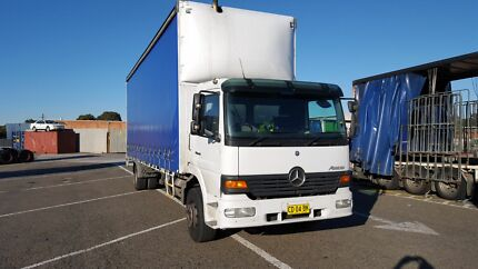 Truck on sale Mercedes  Benz  8 tonne taut. Pendle Hill Parramatta Area Preview