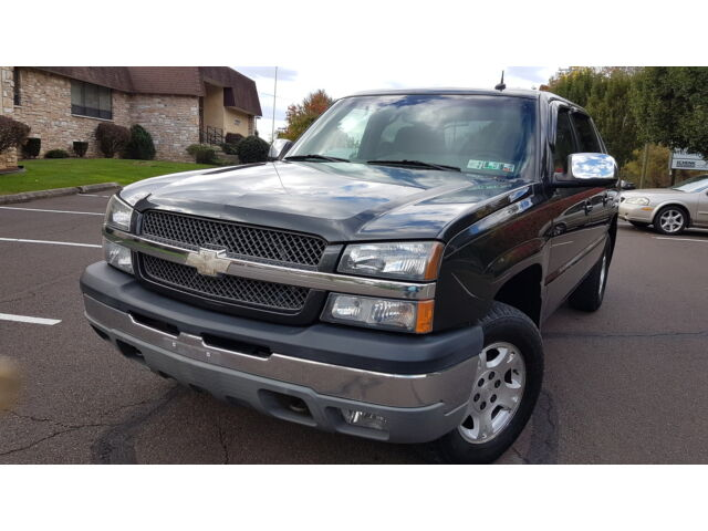 Image 1 of 2004 Chevrolet Avalanche…