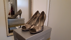 Grey satin heels - excellent condition! Mayfield East Newcastle Area Preview
