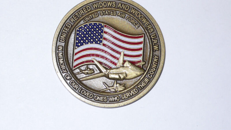 UNITED RETIRED  WIDOWERS UNITED STATES AIR FORCE CHALLENGE COIN MATTHEW 5:4