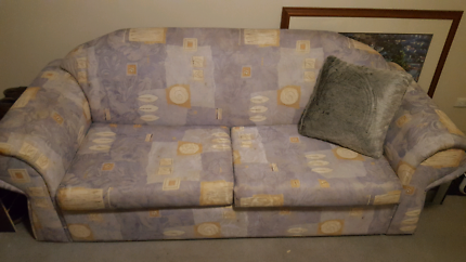 Pull out couch/sofa
