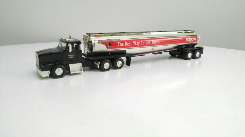 USI Limited Edition Exxon Semi Tanker Truck Bank W/ Lights #3636 No Box New