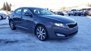 *2011 KIA OPTIMA EX WITH NAVIGATION, WARRANTY AND INSPECTION INC