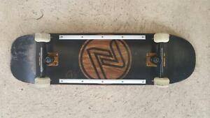 Complete Skateboard Deck Z-Flex 8.3/4 wide