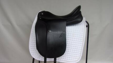 "Otto Schumacher Dynamic size 3 17.5"" Dressage Saddle"