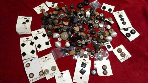 Lot  Of Vintage Buttons  La Mode Le Chic, Le Petite Etc