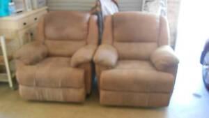 2 recliner armchairs Narellan Vale Camden Area Preview