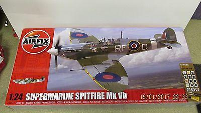 Airfix Supermarine Spitfire MKVB 1:24 Gift Set A50141 Large Scale Model