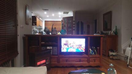 Hardwood TV unit South Hurstville Kogarah Area Preview