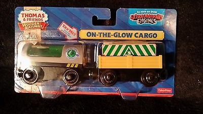 NEW IN BOX Thomas and friends wooden ON THE GLOW CARGO CARS