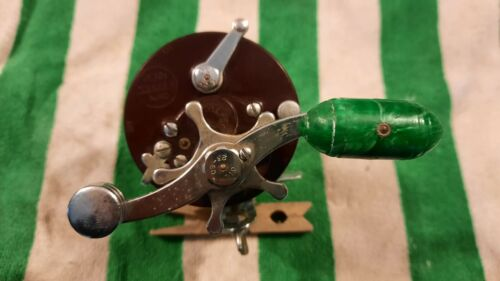 Vintage Penn Squider  Casting Reel