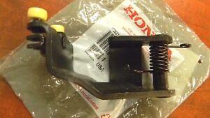 Genuine Honda OEM - Odyssey Right Power Sliding Door Center Roller - 72521SHJA21