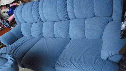 Lounge/recliner suite Harvey Norman 3 seats + 2 x 1 seat exc cond Penrith Penrith Area Preview
