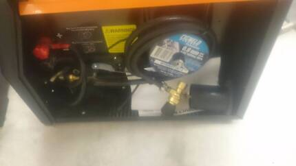 Ozito Mig Welder Gas/Gasless Single Phase 120AMP
