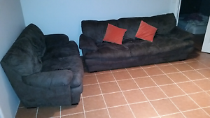 2 & 3 Seater Sofas in Working Order Very Comfy $75 Ono Huntingdale Gosnells Area Preview