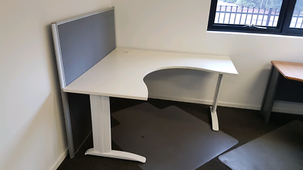Office Furniture Desks And Chairs