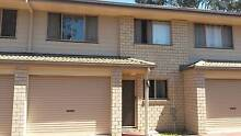 Townhouse to share close to transport Petrie Pine Rivers Area Preview