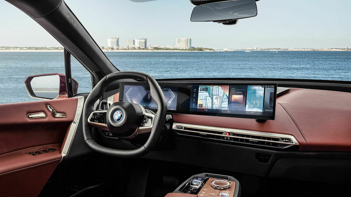 BMW iX Cockpit